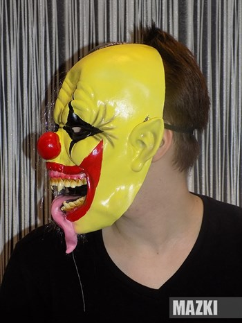 Страшный обезумевший клоун - фото 31863